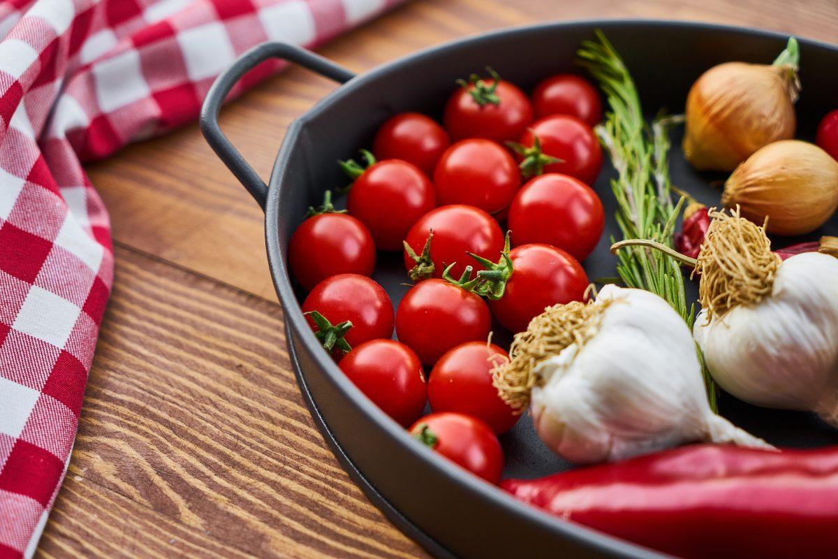 tomato-2777453_1920