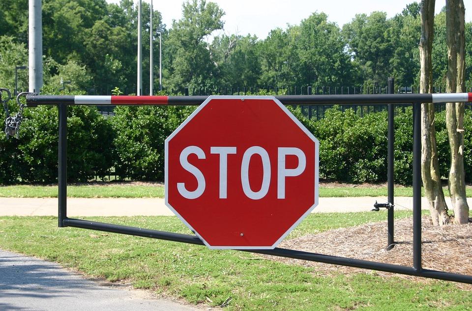 stop-2973331_960_720