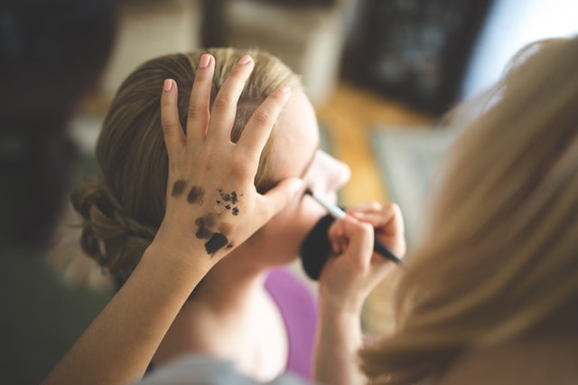 artist-beautician-cosmetics-6169